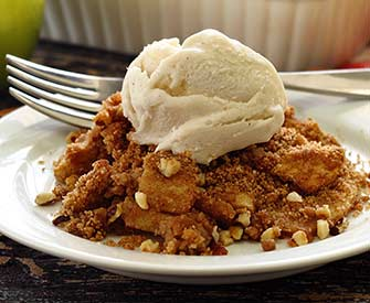 paleonewbie.com recipe for paleo and gluten free apple crisp