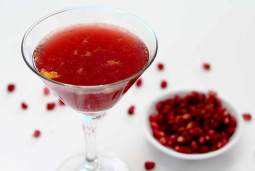 easy paleo recipe for pomegranate cocktail