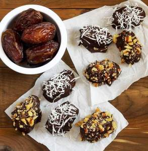 easy paleo recipe for medjool dates chocolate-dipeed