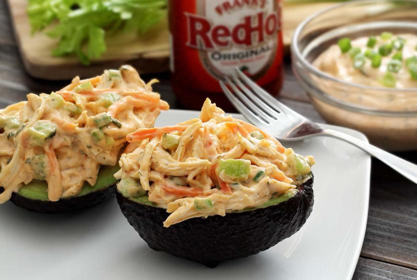 Quick paleo recipe for buffalo chicken lunch