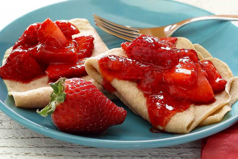 easy paleo diet recipe for strawberry crepes