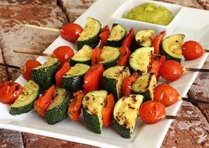 Easy paleo recipe for veggie shish kebabs with avocado sauce