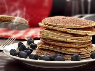 Paleo Lemon Poppy Seed Pancakes