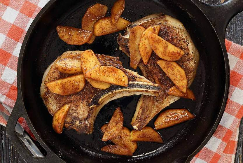 easy paleo recipe for Moroccan seasoned pork chops with sauteed apples