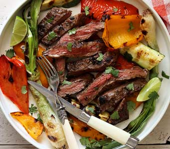 Easy Paleo Grilled Garlic-Lime Skirt Steak with Veggies Recipe