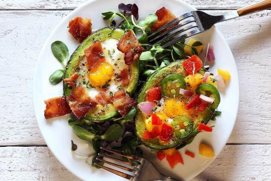easy egg baked in avocado recipe