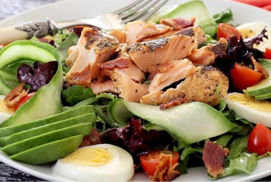grilled salmon salad with honey lime vinaigrette
