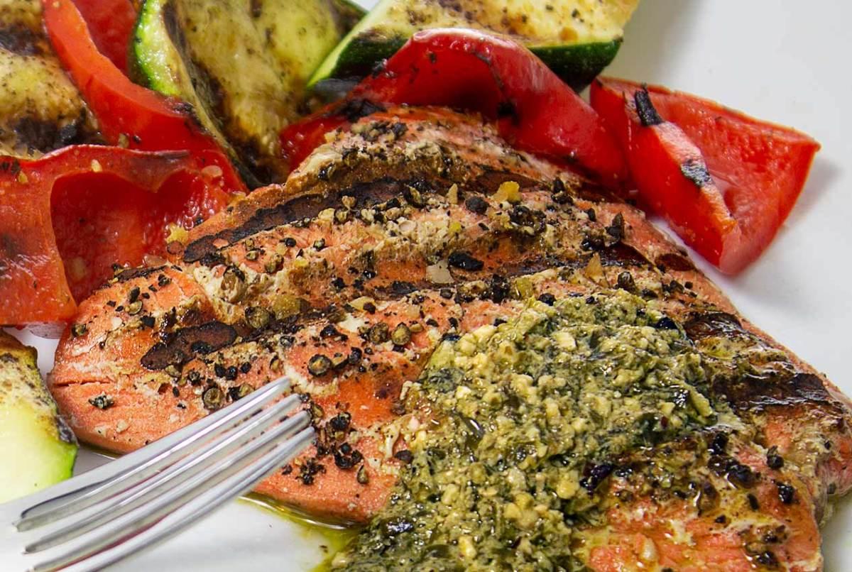 grilled salmon and veggies with an easy lemon pesto sauce