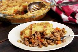 easy paleo and gluten-free version of shepherd's pie made with ground beef.