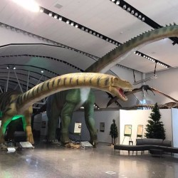 On the News | Canada | Flatulent robo-dinosaur goes on display at museum @ c|net