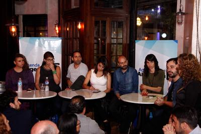 Se reunieron jóvenes dirigentes con intelectuales en un bar de Palermo
