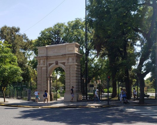 Ecoparque - Puerta de acceso por Av. Las Heras