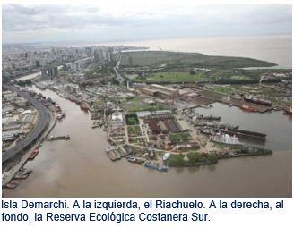 Isla Demarchi. A la izquierda, el Riachuelo. A la derecha, al fondo, la Reserva Ecológica Costanera Sur.
