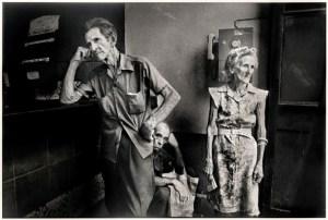Ernesto Bazan Waiting for coffee, Regla,1995