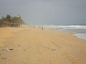 330px-grand-bassam-plage