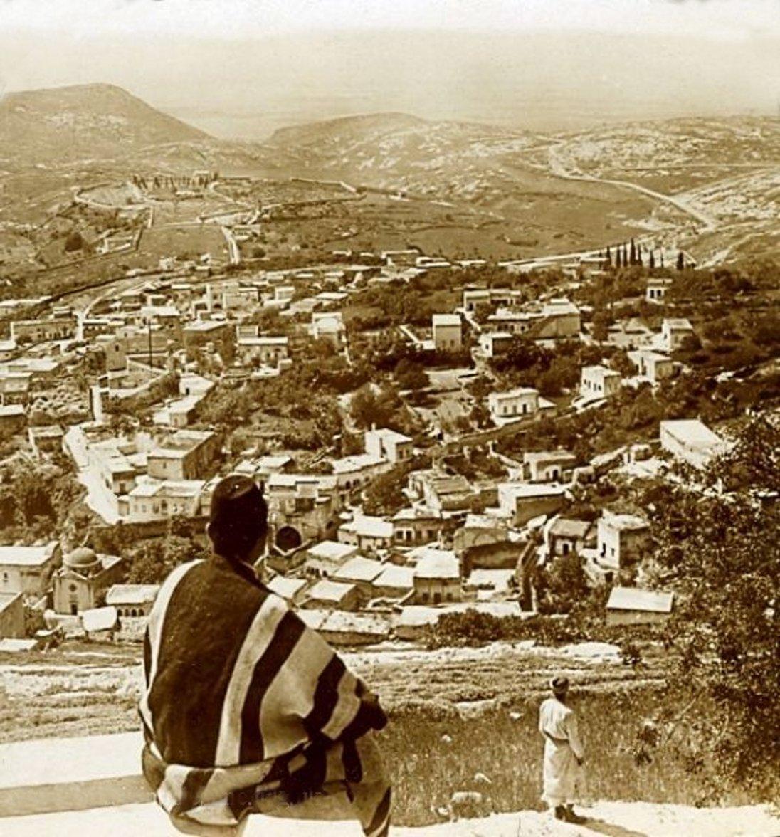 Nazareth-الناصرة: NAZARETH - Late 19th, early 20th c. 55 - circa 1905 - Bird's-eye view (Per Reem Ackall)