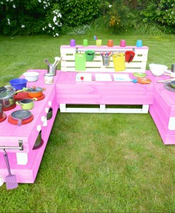 kinderkueche-matschkueche-holz-xl-rosa-palettenmoebel-palettery