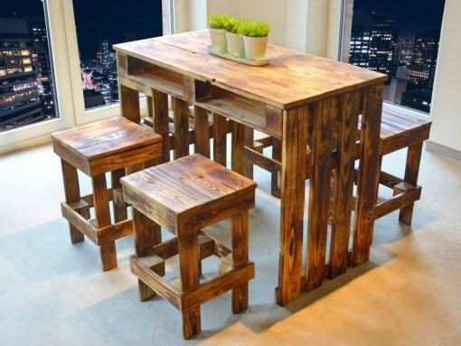 Palettenmöbel Sitzgruppe – Paletten Tisch & Hocker 1