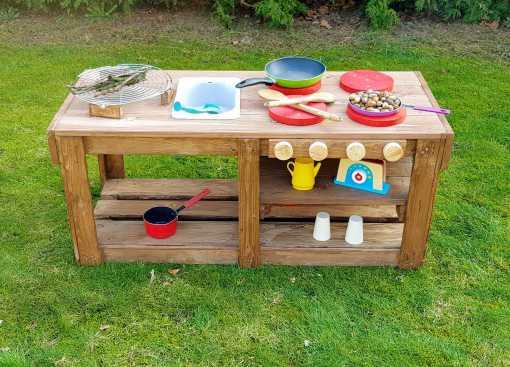 Kinderküche Matschküche aus Paletten Möbel (10)