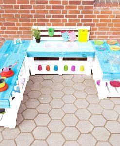 Matschküche-Kinderküche-aus-Paletten-Holz-XLMP-bunt-türkis