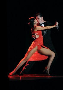 Join tango dancers in Santa Monica Canyon.