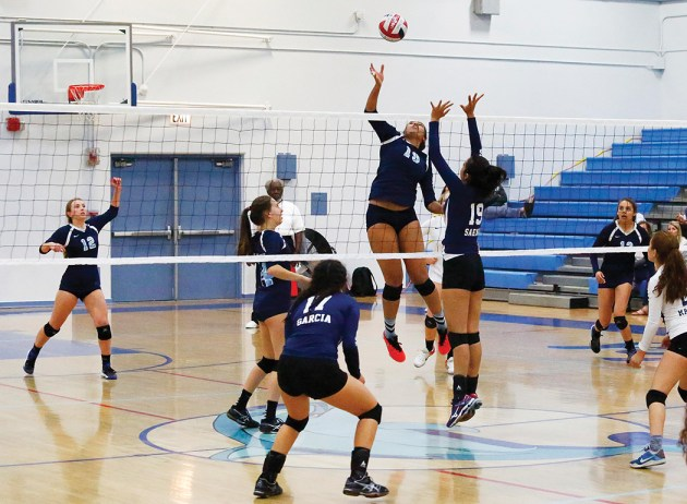 Angel Echipue took control in the semifinal match against Elizabeth. Credit: PaliHi Yearbook