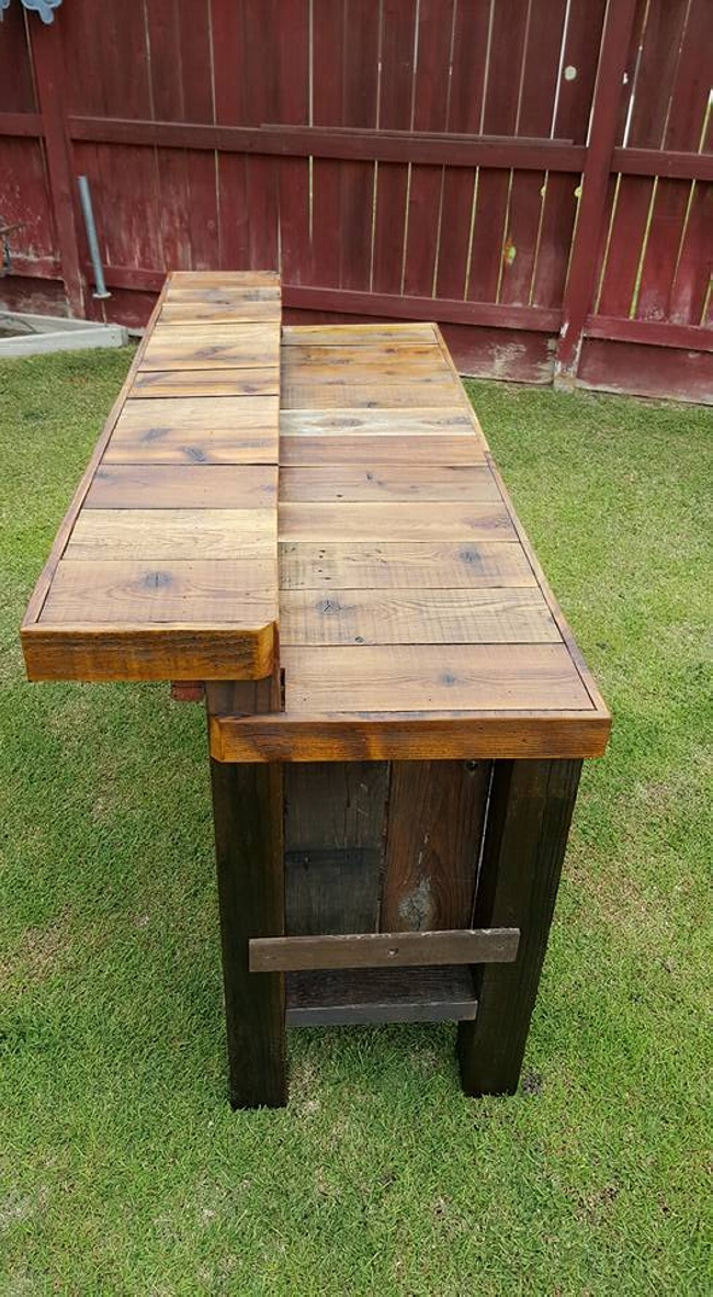 Reclaimed Pallet Wood Bar Table