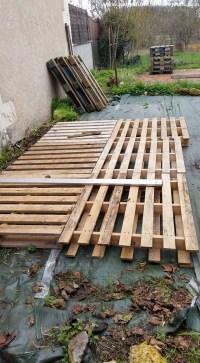 DIY Patio Pallet Deck with Furniture | Pallet Furniture ...