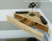 Pallet Corner Shelf Ideas | Pallet Furniture Projects.