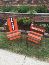 Wood Pallet Sports Team Chairs | Pallet Furniture Projects.