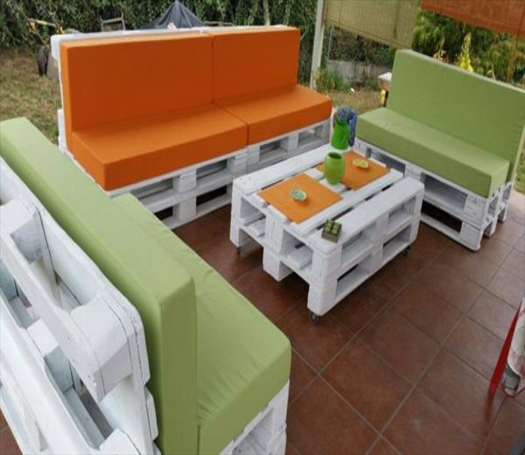 Creative Pallets Outdoor Sofa and Table Ideas  Pallet Ideas