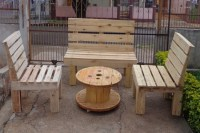 Pallets Cable Drum Table and Chairs | Pallet Ideas ...