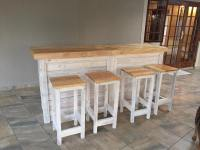 Bar Counter with Stools from Pallet Wood | Pallet Ideas ...