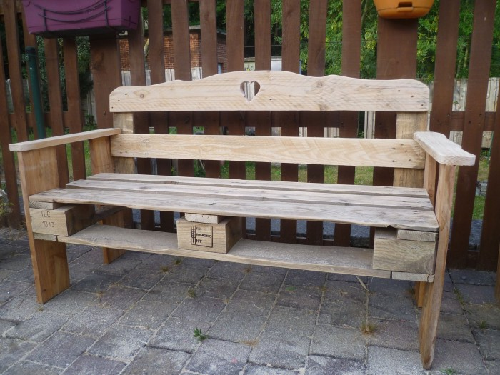 Patio Pallet Made Bench Pallet Ideas