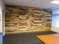Pallets Ideas, Designs, DIY.  Pallet Wood Powered Accent Wall
