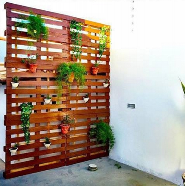 DIY Patio Decoration with Pallet Planter