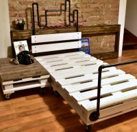 Reclaimed Wood Pallet Bed with Pipes | Pallet Ideas ...