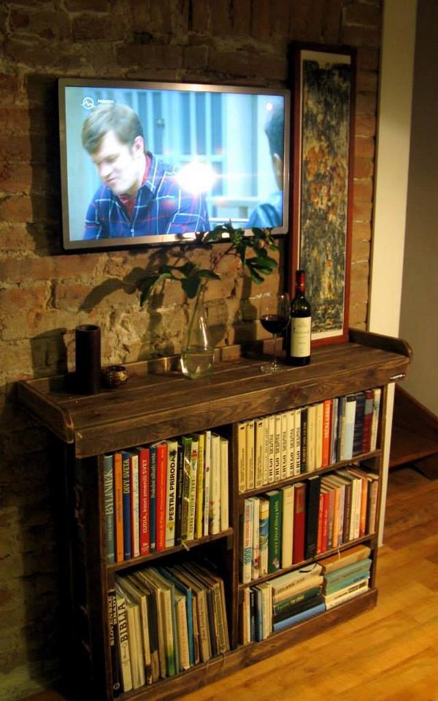 Pallet Side Table Cum Bookshelf  Pallet Ideas