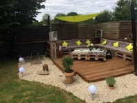 Recycled Pallet Garden Deck with Furniture | Pallet Ideas ...