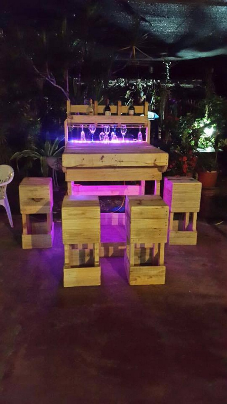 patio chairs for kids king throne chair sale pallet outdoor wine bar with lights | wood projects