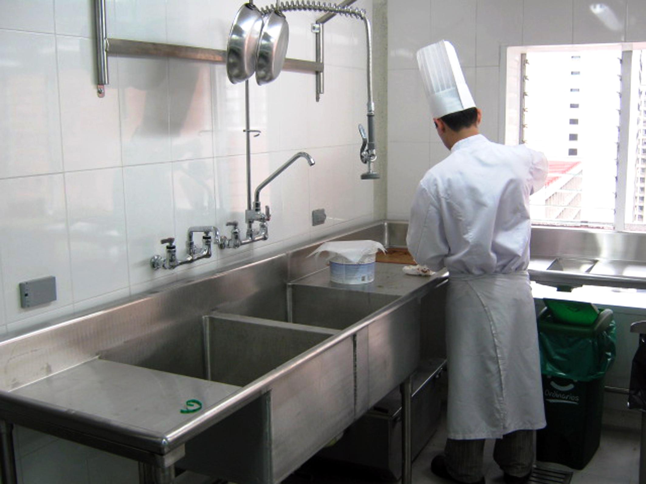 Cocina industrial lo que debe tener una cocina