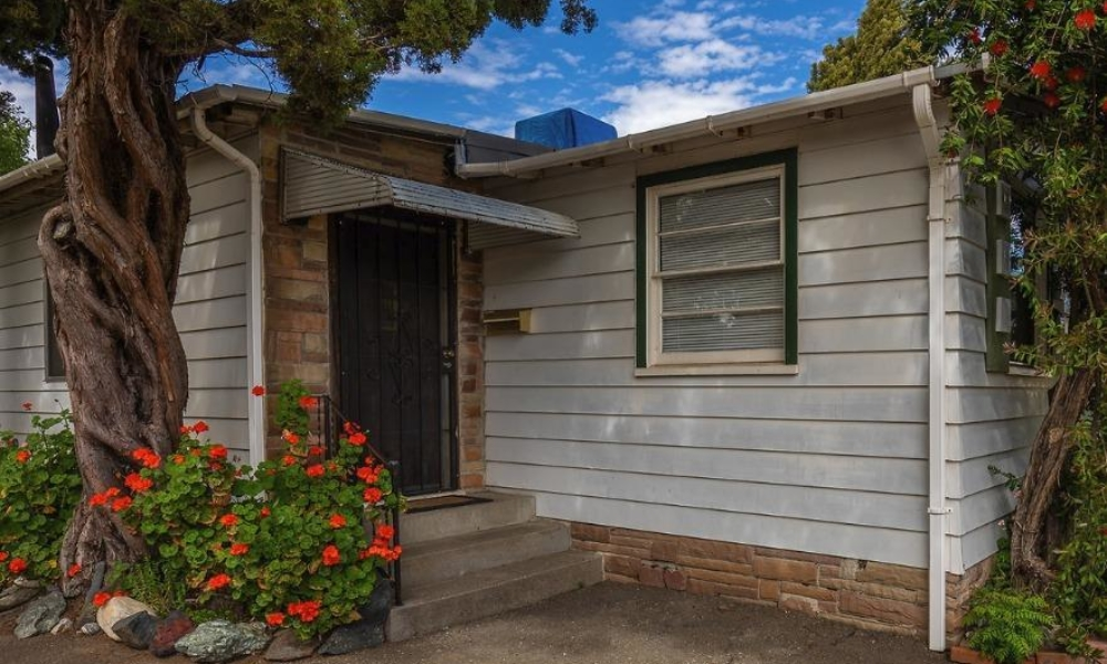 398 Peach Street Ukiah, California 95482