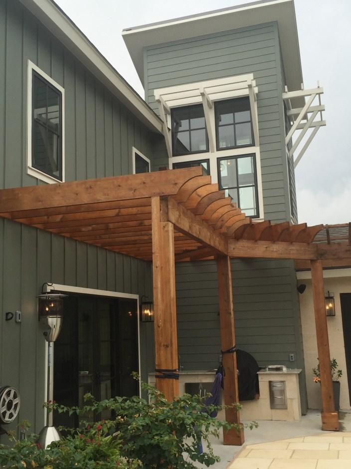 Modern home trellis design