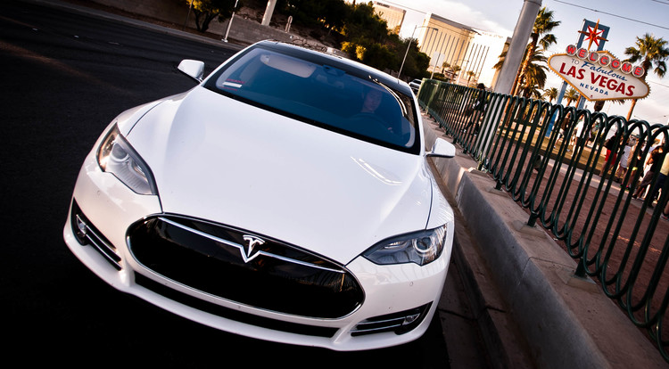 Tesloop car service from LA to Palm Springs