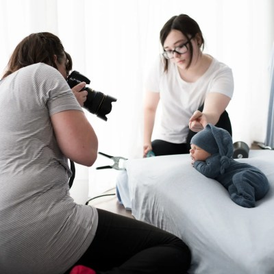 Newborn Photography Mentoring | Behind The Scenes at PGP