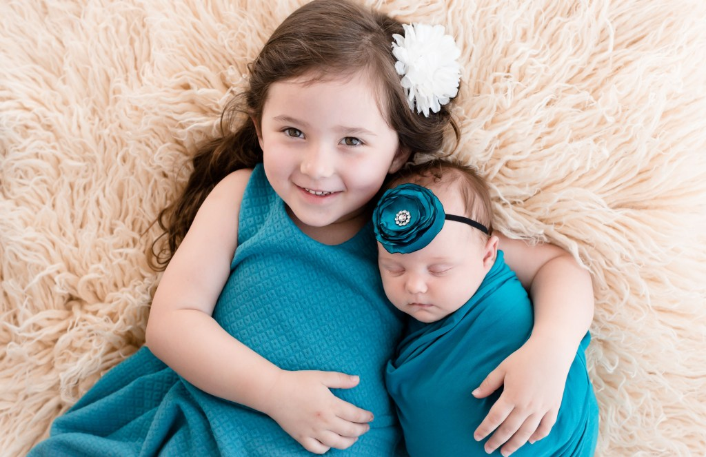 Newborn Sibling Photos OHio