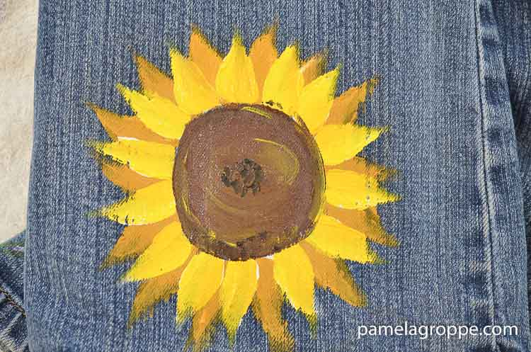 Fabric Painting Sunflowers, a great way to embellish jeans, jackets, totes or skirts! Make gifts and wearable art.