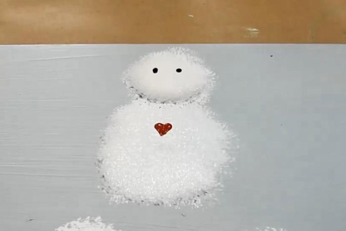 paint on snowman heart buttons