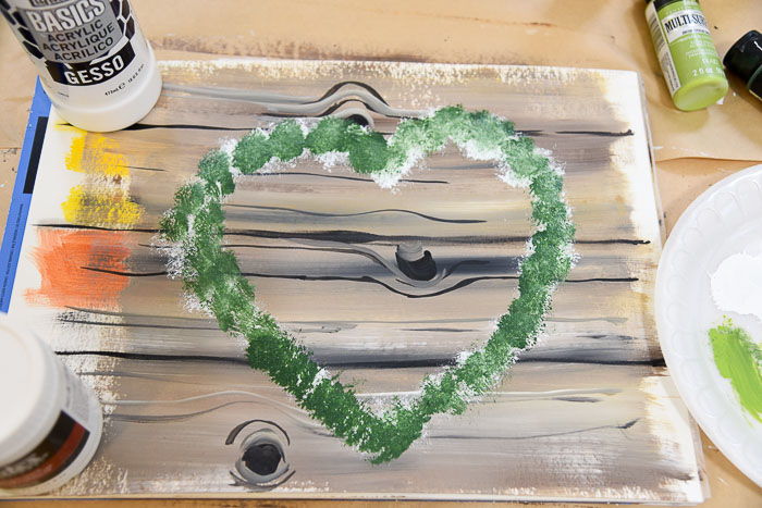 Add Thicket, dark green, to the heart wreath