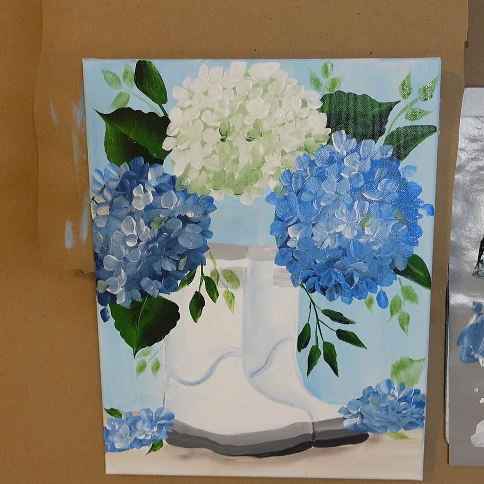 paint white and blue hydrangeas in boots, easy flower painting